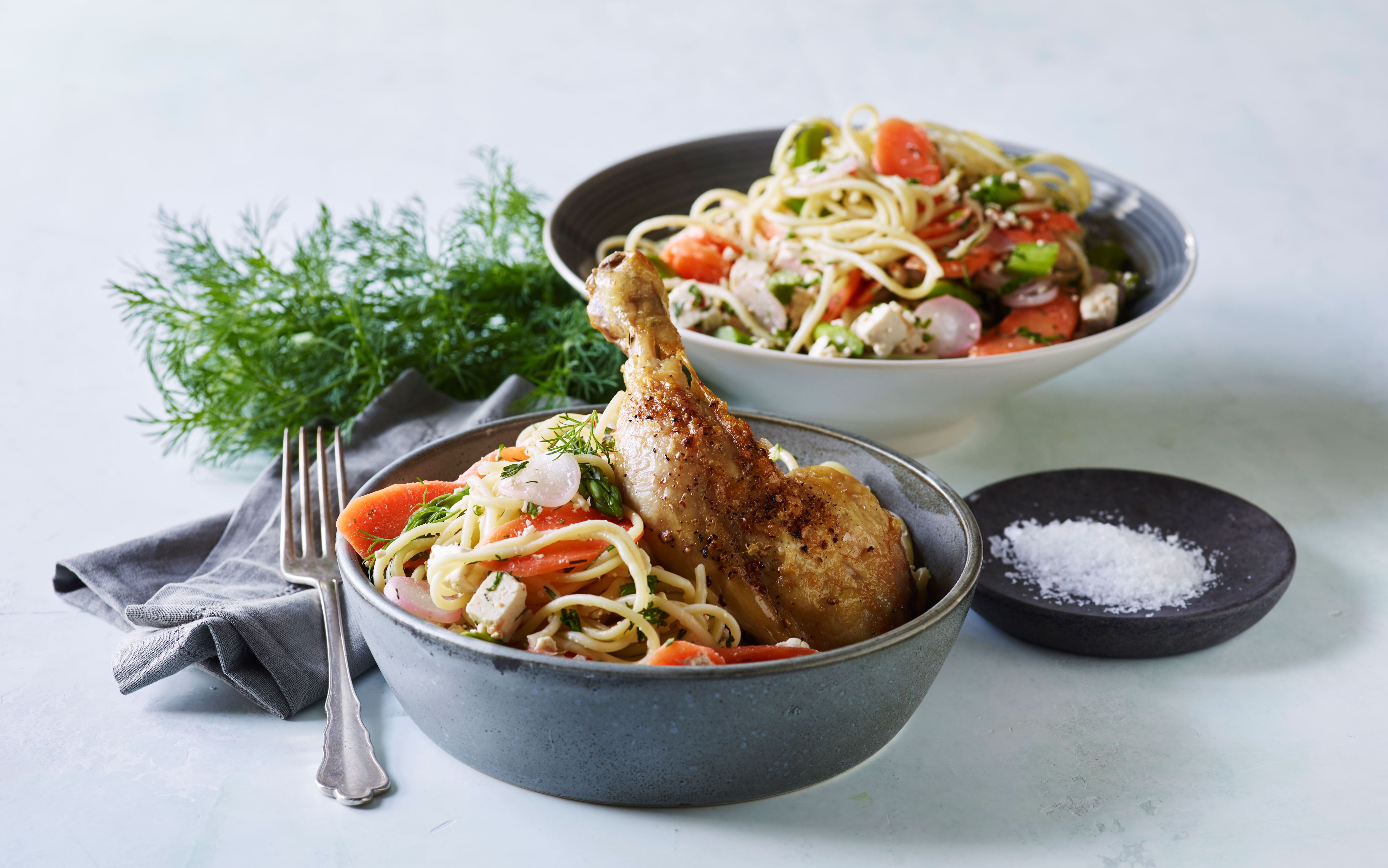 Stegt kylling med grøntsagsspaghetti
