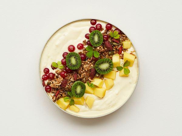 Smoothie bowl med mango og kiwibær