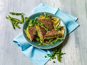 Rugbrødssandwich med grøn spread