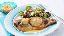 Grillattua kalaa ja maustevoita