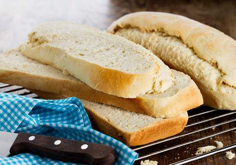 Voileipäkakun leipä