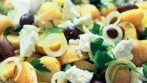 Kreikkalainen salaatti perunoilla