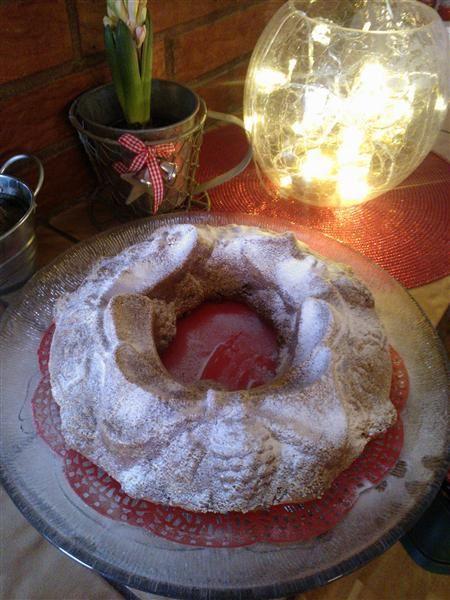 Maustekakku joulupöytään