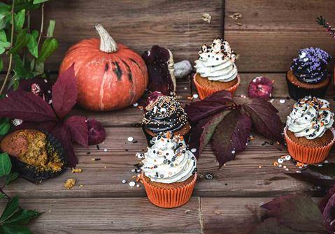 Halloween muffinssit