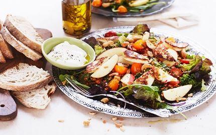Linssi-omenasalaatti ja grillijuustoa