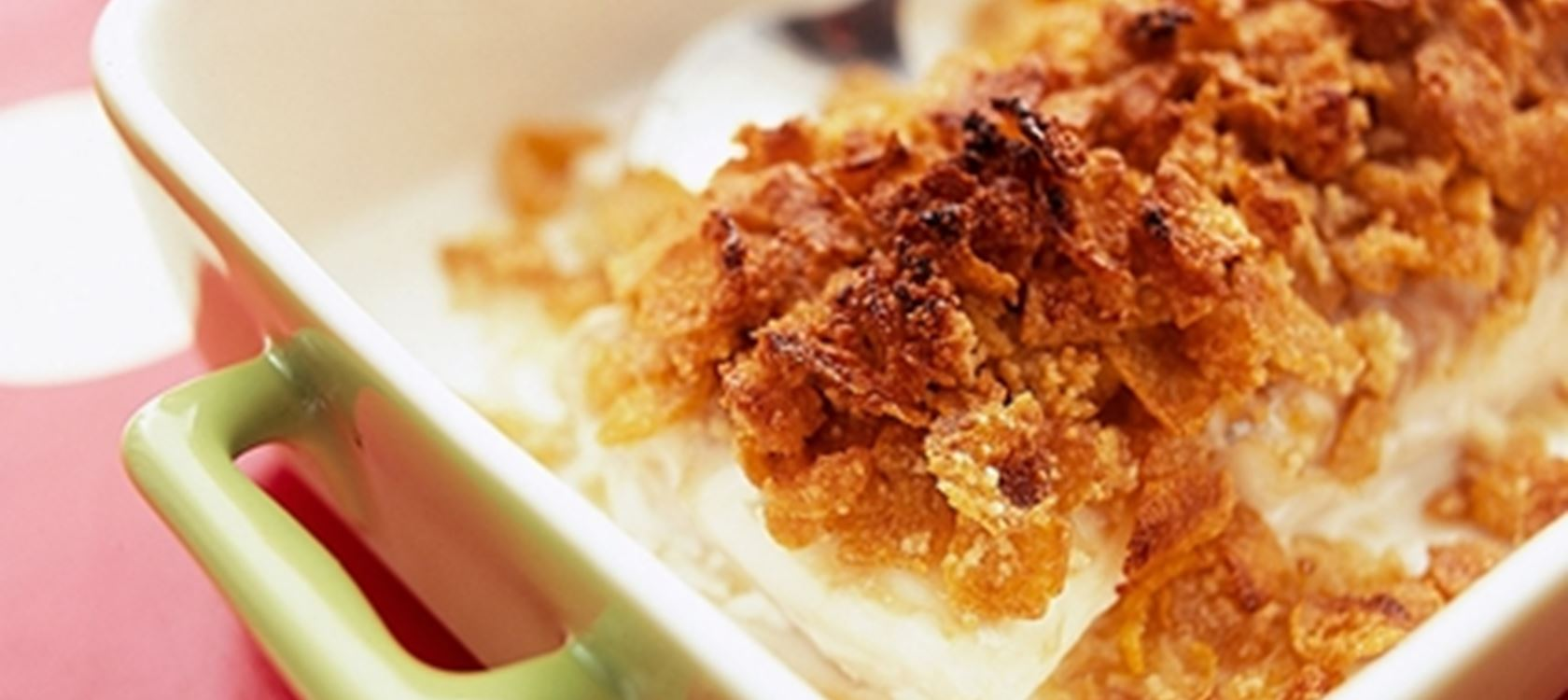 Maissihiutaleilla kuorrutettu kala