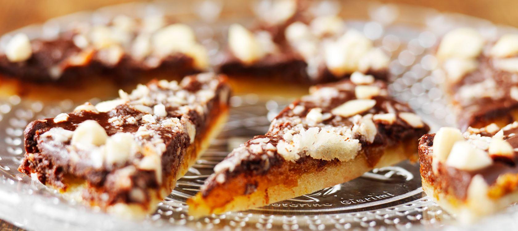 Marsipaani-aprikoosimakeiset