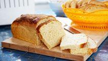 Kotona leivottu ranskanleipä