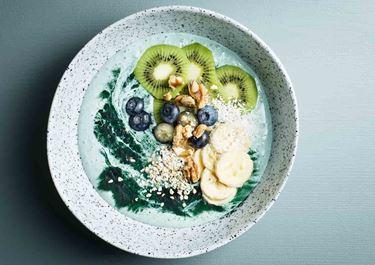 Spirulina-smoothie bowl