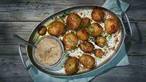 Uudet perunat ruskistetulla voilla