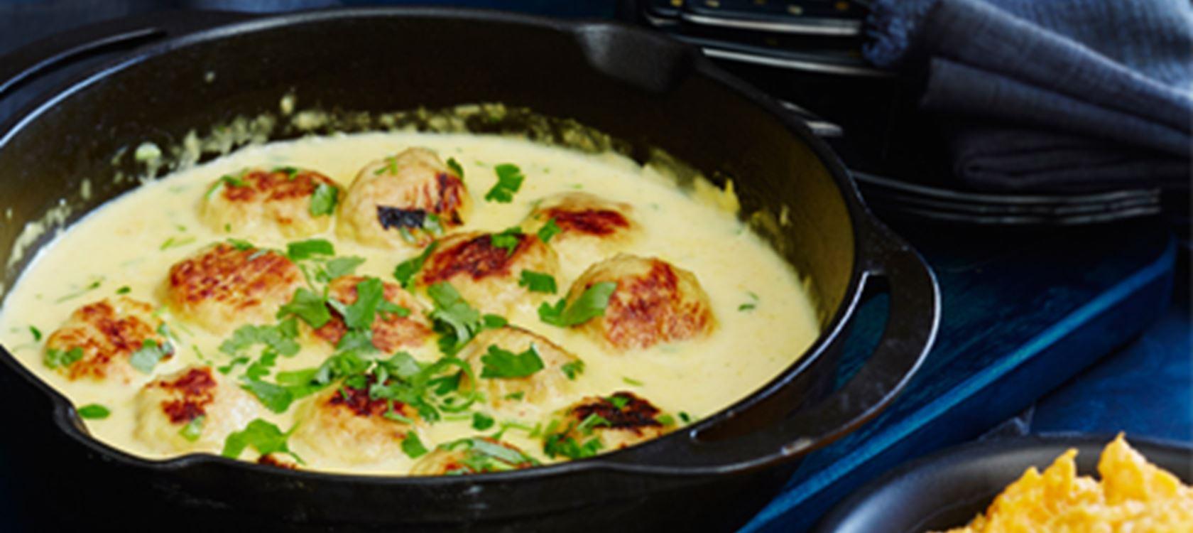 Broileripullat chili-currykastikkeessa ja bataattimuusi