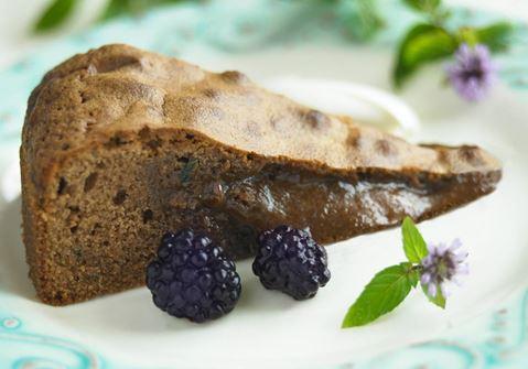 Vaalea mud cake mintulla