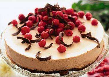 Suklaa-vadelmakakku