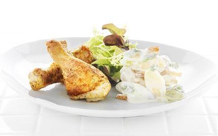 Grillatut kanankoivet ja perunasalaattia