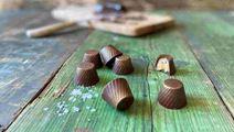 Suklaakonvehdit toffeella