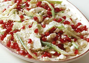 Fenkoli-välimerellinenjuusto-granaattiomenasalaatti