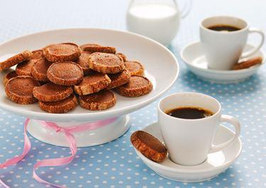 Mustapippuri-suklaapikkuleivät