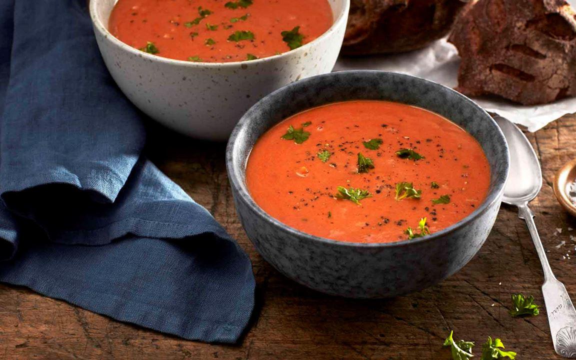 Klassinen tomaattikeitto