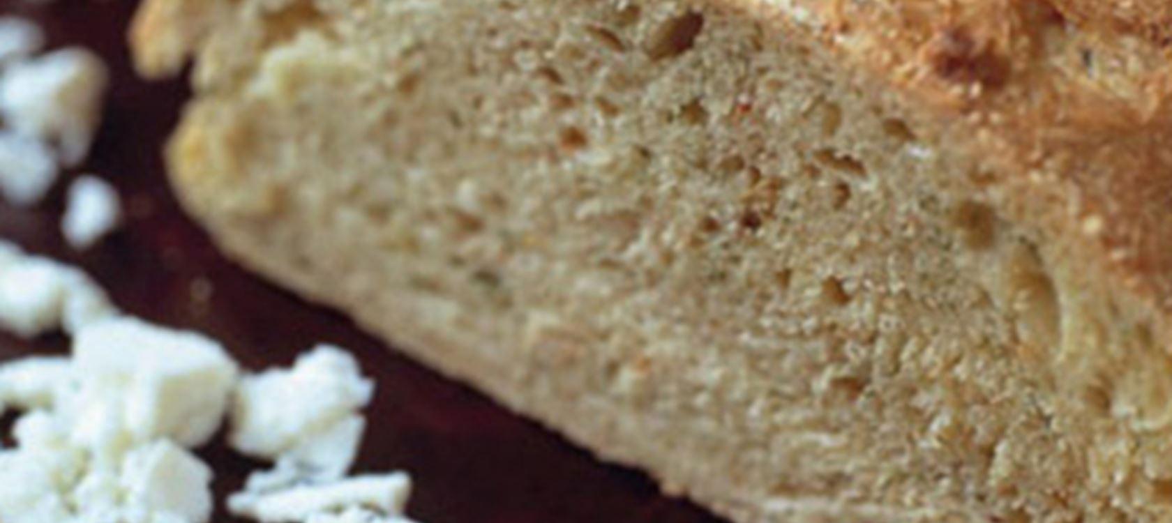 Spelttileipä Apetina-juustolla