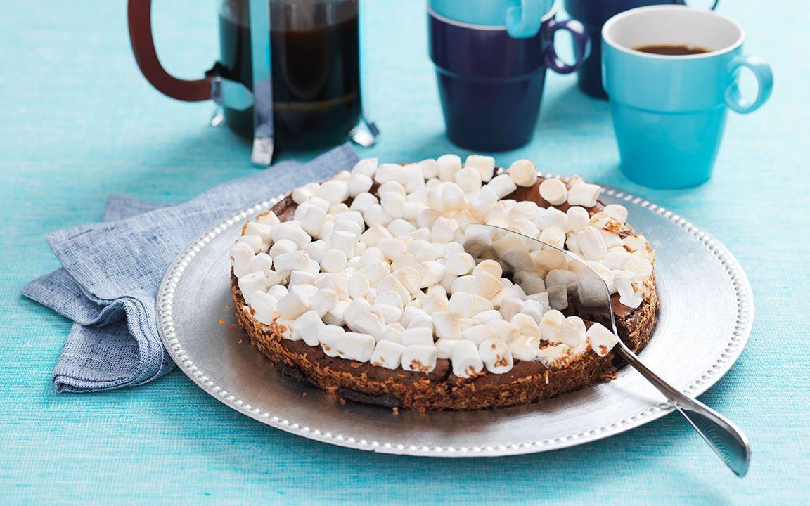 Vaahtokarkki-mud cake