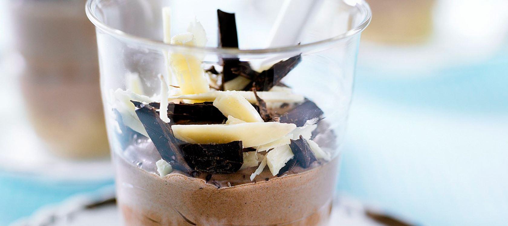 Suklaajuustokakku annosmaljoissa