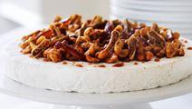 Brie-juustokakku pähkinöillä ja viikunoilla