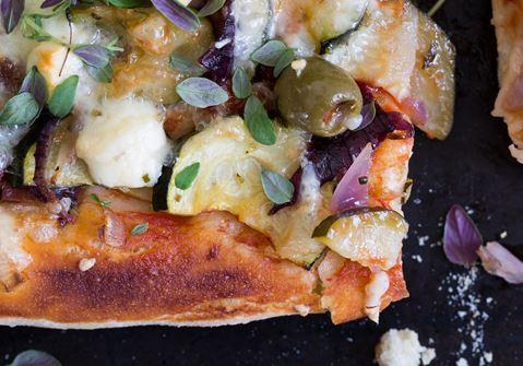 Kasvis-juustopizza