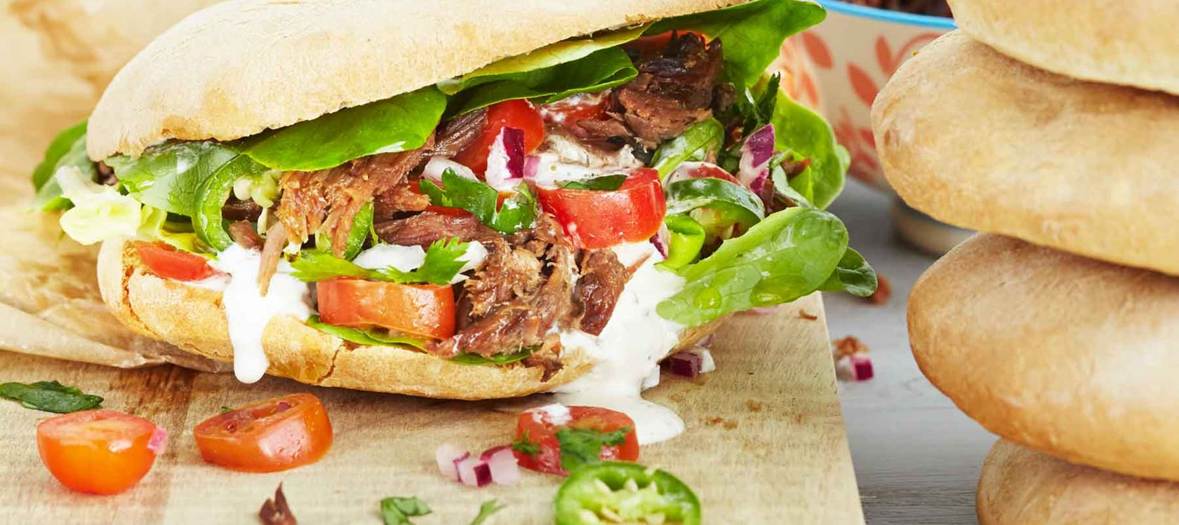 Pulled beef -pita