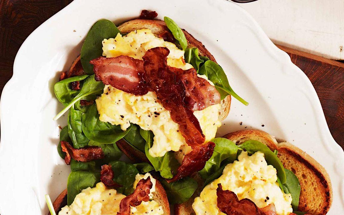 Munakokkeli eli scrambled eggs