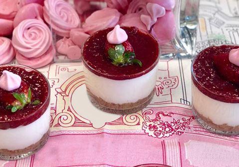 Cheesecake με άρωμα τριαντάφυλλο