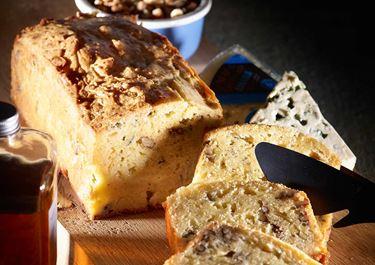 Κέικ με μπλε τυρί & καρύδια