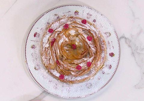 Κέικ πορτοκαλιού σε φύλλο κρούστας γεμιστό με ganache