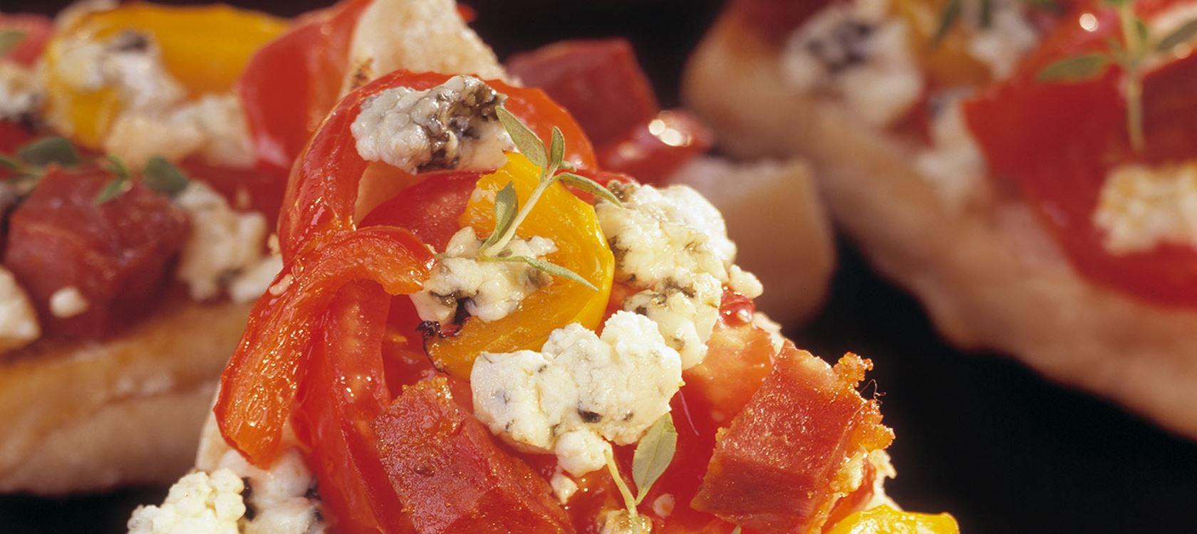 Πίτσα ciabatta με πεπερόνι και Castello Danablu®
