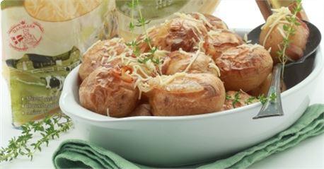 Πατάτες με φλούδα στον φούρνο