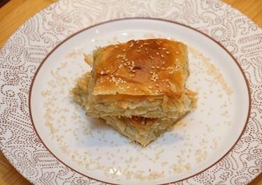 Μελιτζανόπιτα με μπλέ τυρί