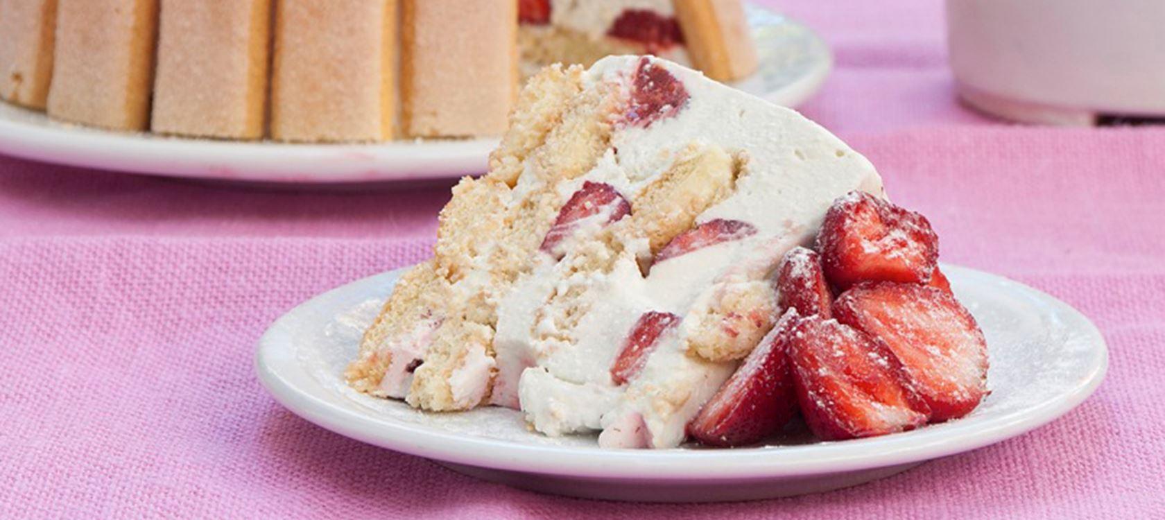 Σαρλότ με φράουλες από τον Στέλιο Παρλιάρο