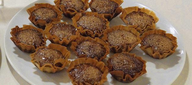 Καρυδοπιτάκια σε φορμάκια με φύλλο κρούστας