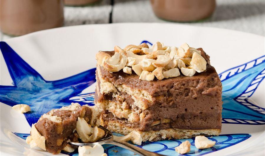 Σοκολατένια τούρτα με ρόφημα γάλακτος Arla Protein