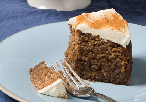 Κέικ με καρύδι και επικάλυψη τυριού κρέμα