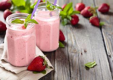 Smoothie με ρόφημα γάλακτος Arla Protein , φράουλα και lime