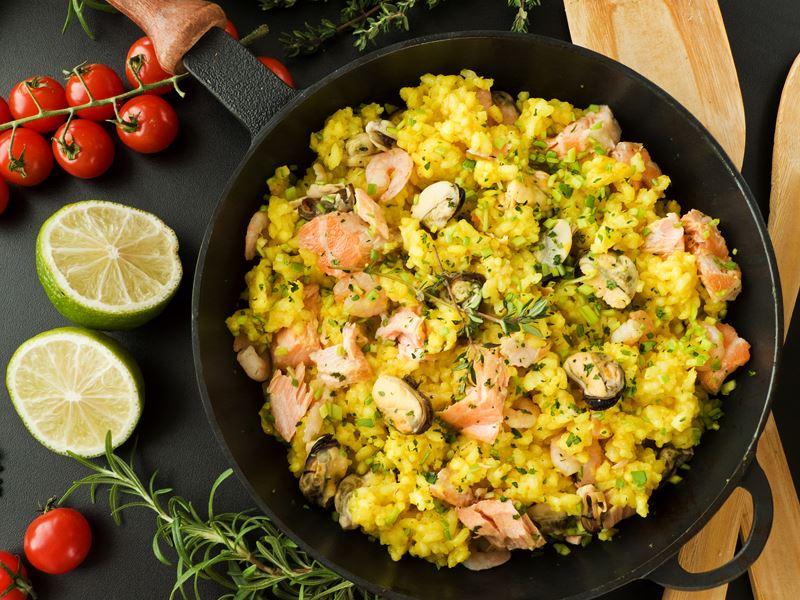 Ριζότο με θαλασσινά, σαφράν και μοτσαρέλα