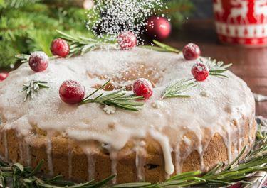 Βασιλόπιτα κέικ με αποξηραμένα φρούτα , μπαχαρικά και ρούμι