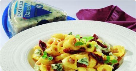 Τορτελίνια µε προσούτο και µπλε τυρί Castello Danablu