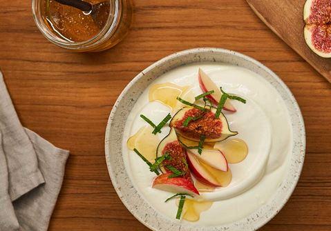 Arla Skyr Creamy met vijgen, appel, honing en verse munt