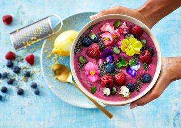 Smoothie bowl met Skyr, blauwe bessen en chia zaad