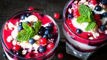 Rood fruit trifle