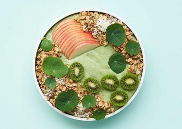 Smoothie bowl met Skyr, avocado en spinazie