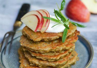 Appel havermout pannenkoekjes met rozemarijn