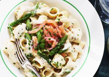 Lactosevrije pasta met zalm en asperges