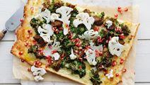 Falafel- och blomkålspizza